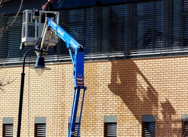 4 Reasons You Should Invest in Commercial Pressure Washing